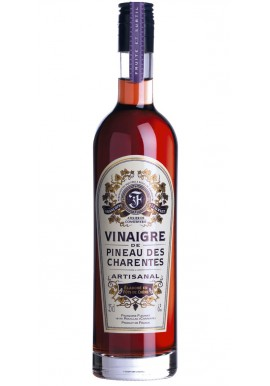 Vinegar of pinkish Pineau of the Charente
