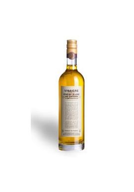 Vinegar of white Pineau in the saffron of Charente