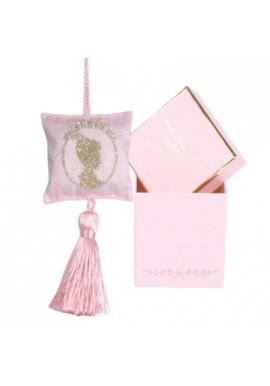 Boite rose rectangulaire de 6 savons macarons de Catherine Masson